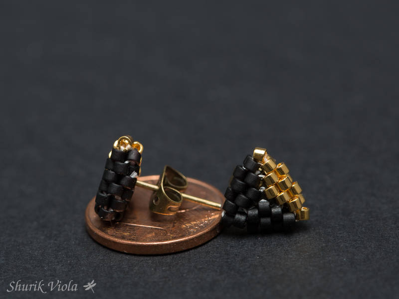 Seed bead earrings / Boucles d'oreilles en perles de rocaille - Shurik Viola